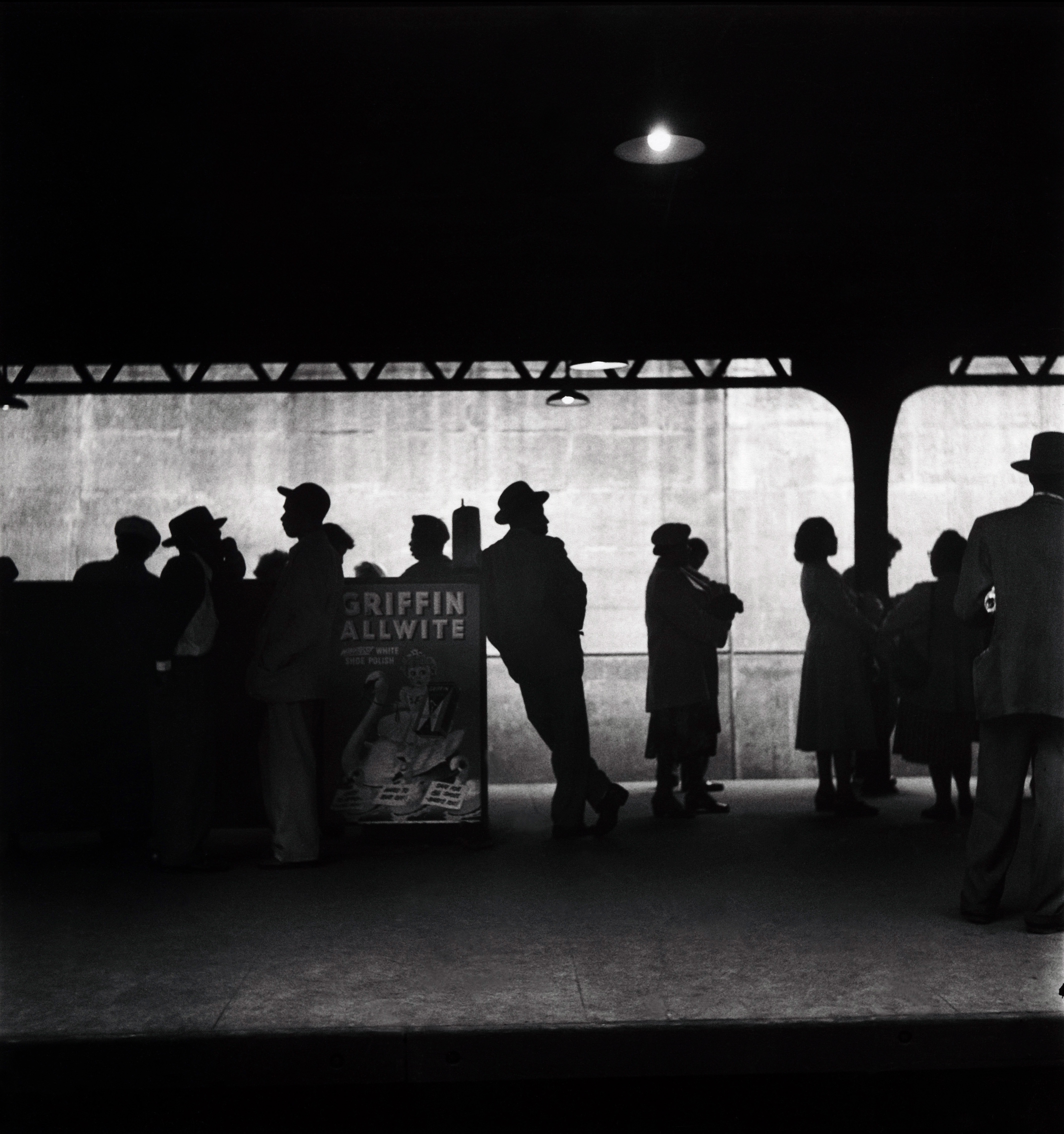 "Elliott Erwitt ""USA. New York City. 1948"""